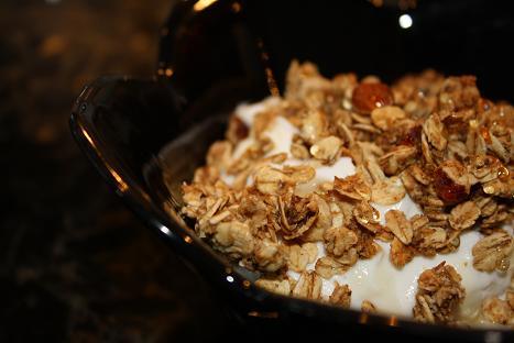Low-Fat, Low-Sugar Homemade Vanilla-Orange Granola