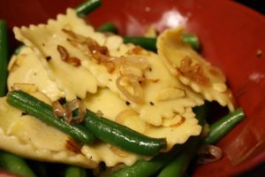 Ravioli + Green Beans = Surprisingly Yummy