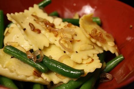 Green Beans and Shallot Ravioli Salad